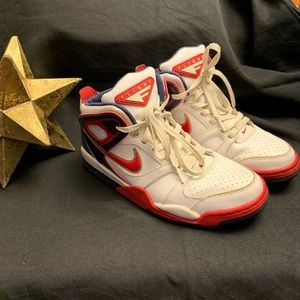 NIKE-Air Flights, White/Red/Navy/Gold-Size 8